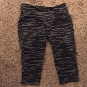 Cropped Camo Workout Leggings